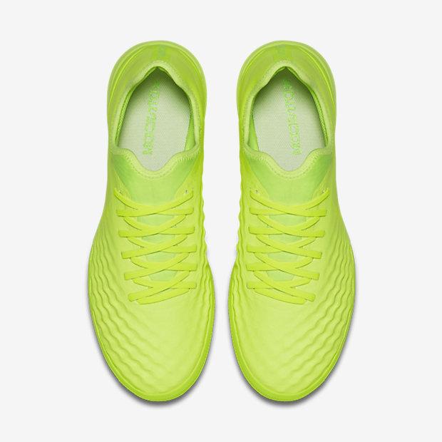 scarpe da calcio erba sintetica nike